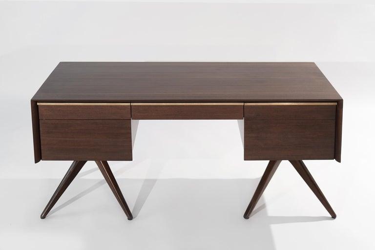Mid-Century Modern Rare Walnut Desk by Vladimir Kagan for Grosfeld House, circa 1950s For Sale
