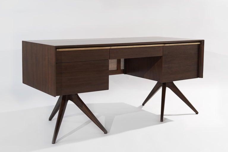 American Rare Walnut Desk by Vladimir Kagan for Grosfeld House, circa 1950s For Sale