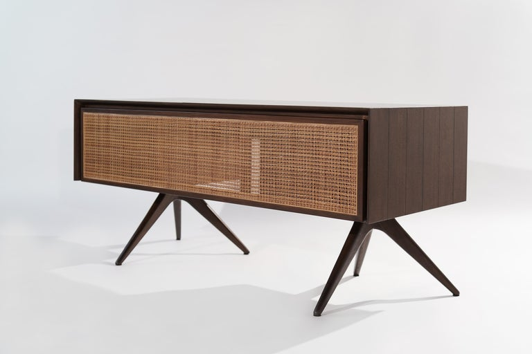 Rare Walnut Desk by Vladimir Kagan for Grosfeld House, circa 1950s For Sale 2