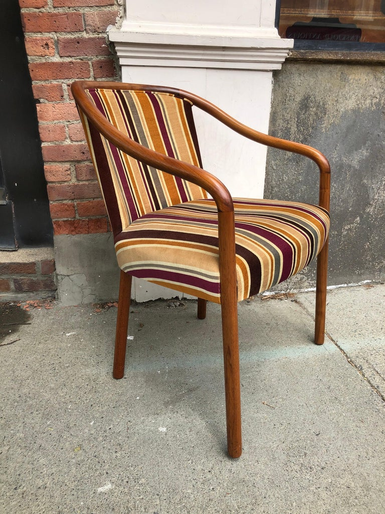 Rare Ward Bennett Settee and Side Chair in Vintage Fabric In Good Condition For Sale In Hudson, NY