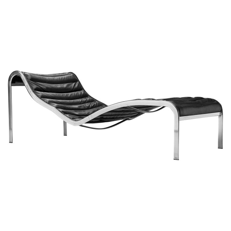 Rare 'Whist' Chaise Longue in Black Leather by Olivier Mourgue