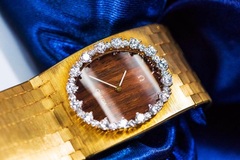 Rare Wide 1970s Omega Diamond Set Wood Dial 18 Karat Yellow Gold Bracelet Watch For Sale 7