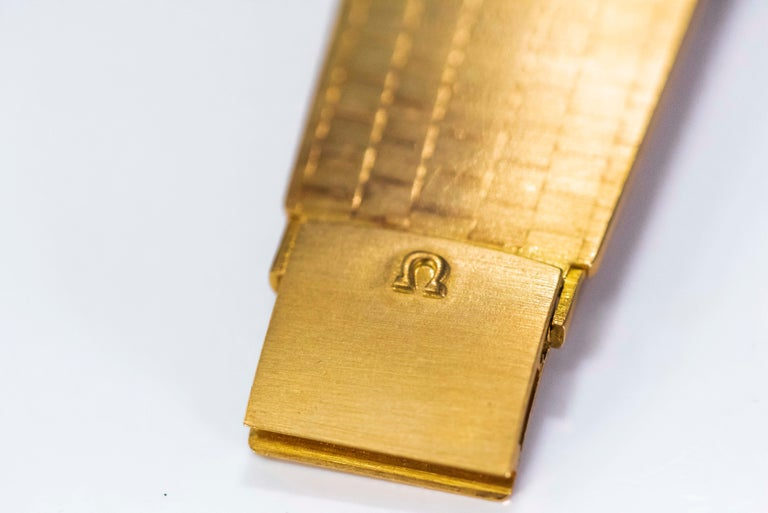 Rare Wide 1970s Omega Diamond Set Wood Dial 18 Karat Yellow Gold Bracelet Watch For Sale 8