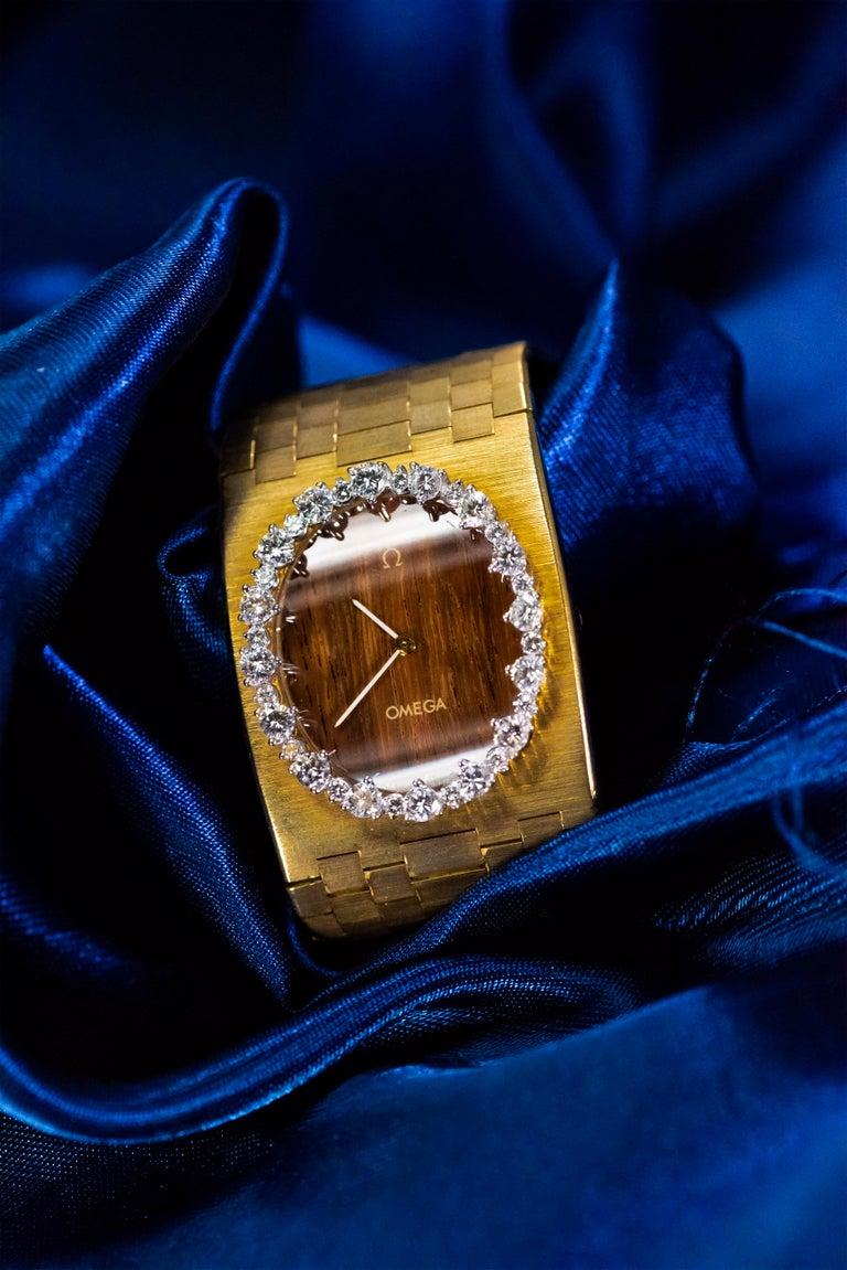 Rare Wide 1970s Omega Diamond Set Wood Dial 18 Karat Yellow Gold Bracelet Watch For Sale 10