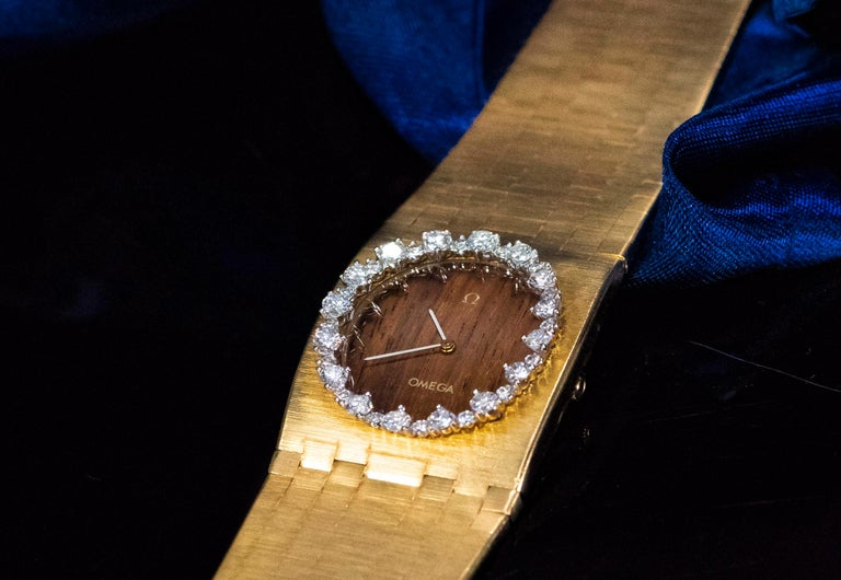 Rare Wide 1970s Omega Diamond Set Wood Dial 18 Karat Yellow Gold Bracelet Watch For Sale 13