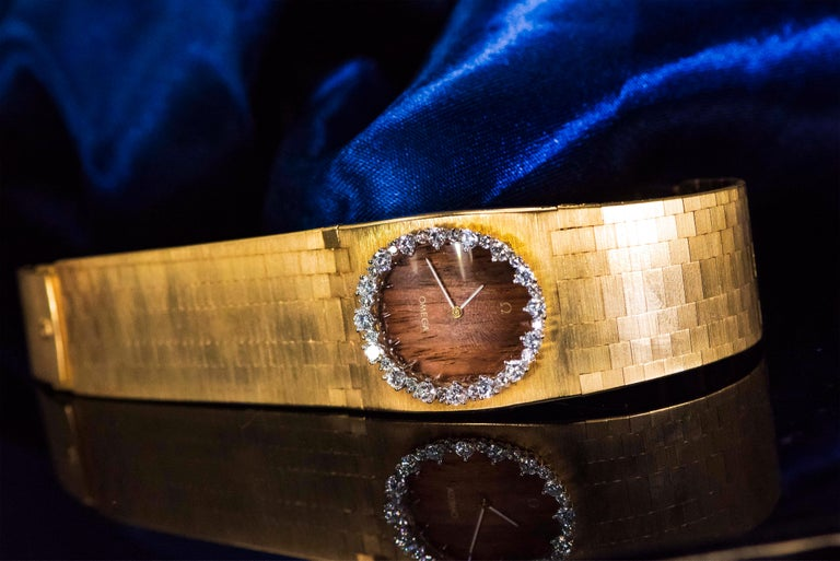 Rare Wide 1970s Omega Diamond Set Wood Dial 18 Karat Yellow Gold Bracelet Watch For Sale 14