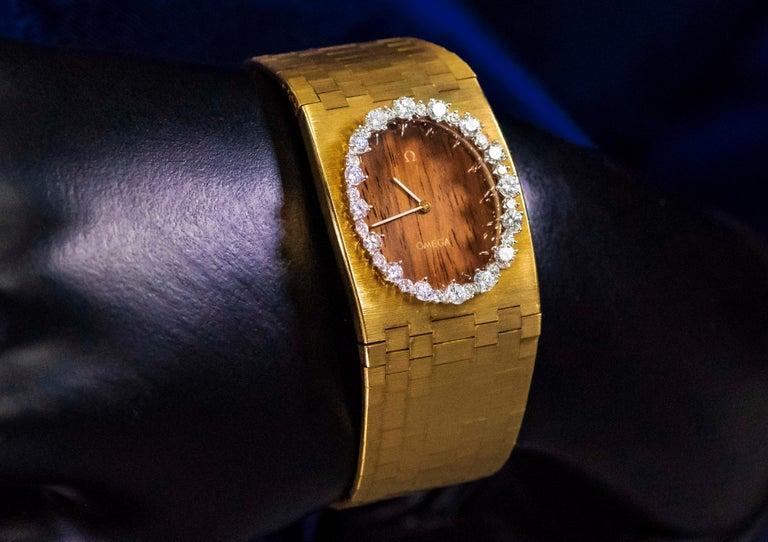 Rare Wide 1970s Omega Diamond Set Wood Dial 18 Karat Yellow Gold Bracelet Watch For Sale 15