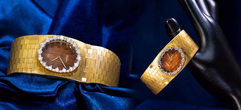 Women's or Men's Rare Wide 1970s Omega Diamond Set Wood Dial 18 Karat Yellow Gold Bracelet Watch For Sale
