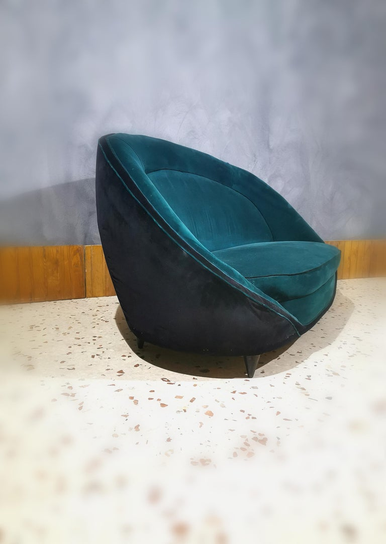 Sofà Midcentury in the style of Giò Ponti, Smooth Velvet Green Emerald, 1950s In Good Condition For Sale In Palermo, IT
