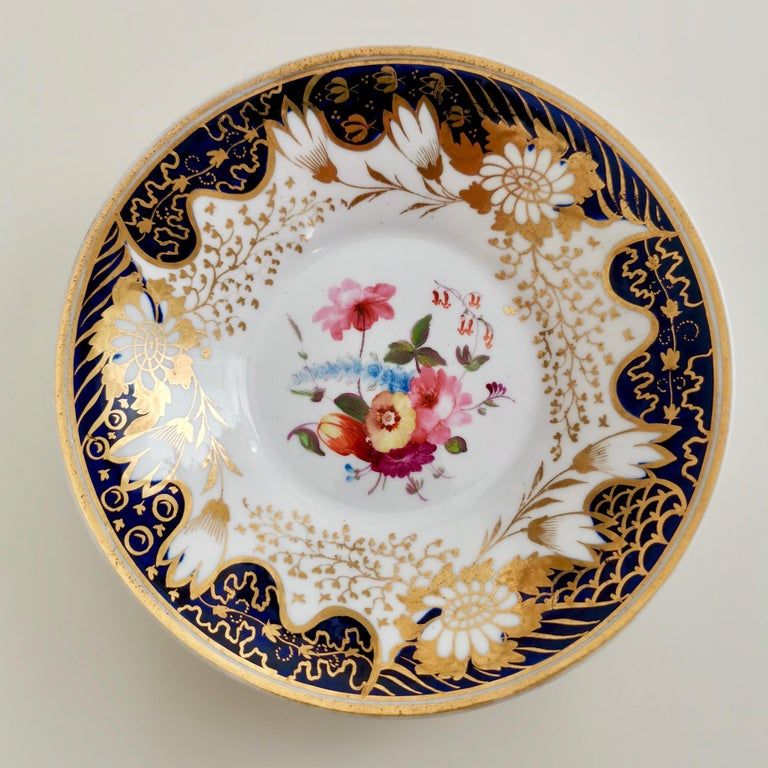 Rathbone Teacup, Hand Painted Flowers, Regency circa 1815 In Good Condition For Sale In London, GB
