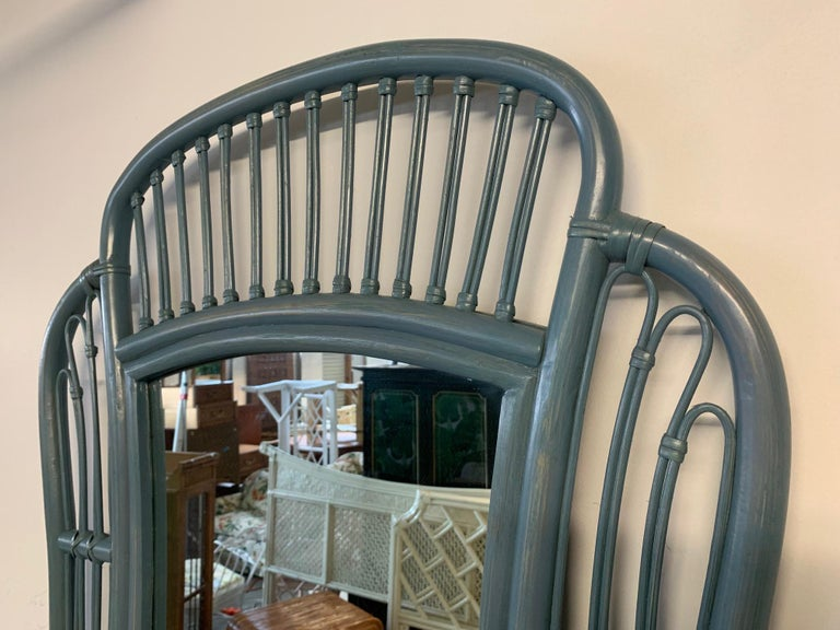 Rattan console and matching mirror feature wicker detailing and a beautiful blue finish. Very good vintage condition.
