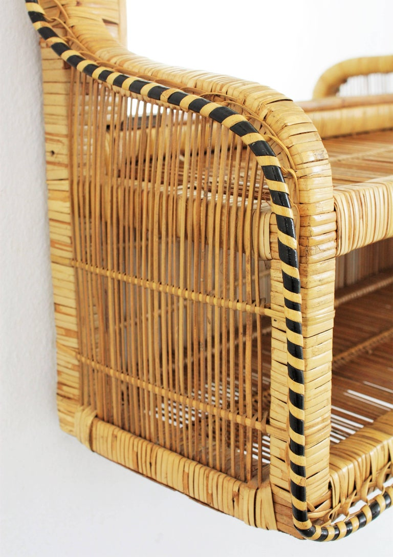 Rattan and Woven Wicker Wall Shelf Mirror, 1970s In Good Condition For Sale In Barcelona, ES