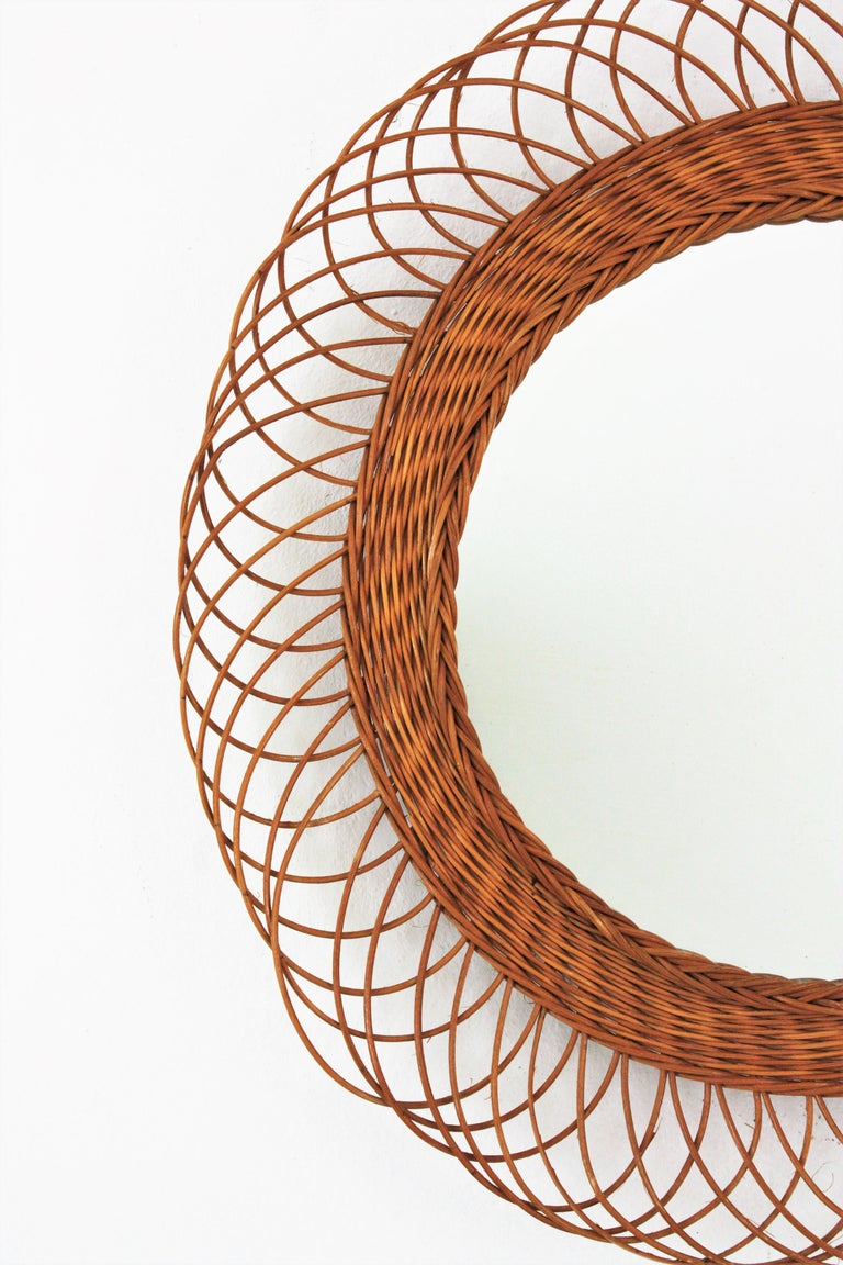 Rattan Artisan Woven Midcentury Sunburst Mirror, France, 1960s In Good Condition For Sale In Barcelona, ES