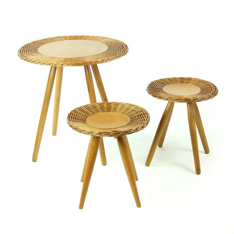 Rattan Coffee Table With Two Stools By ÚĽUV