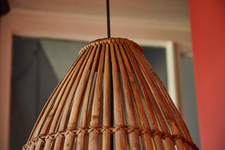 Rattan Hanging Pendant Lamp In Good Condition For Sale In Los Angeles, CA
