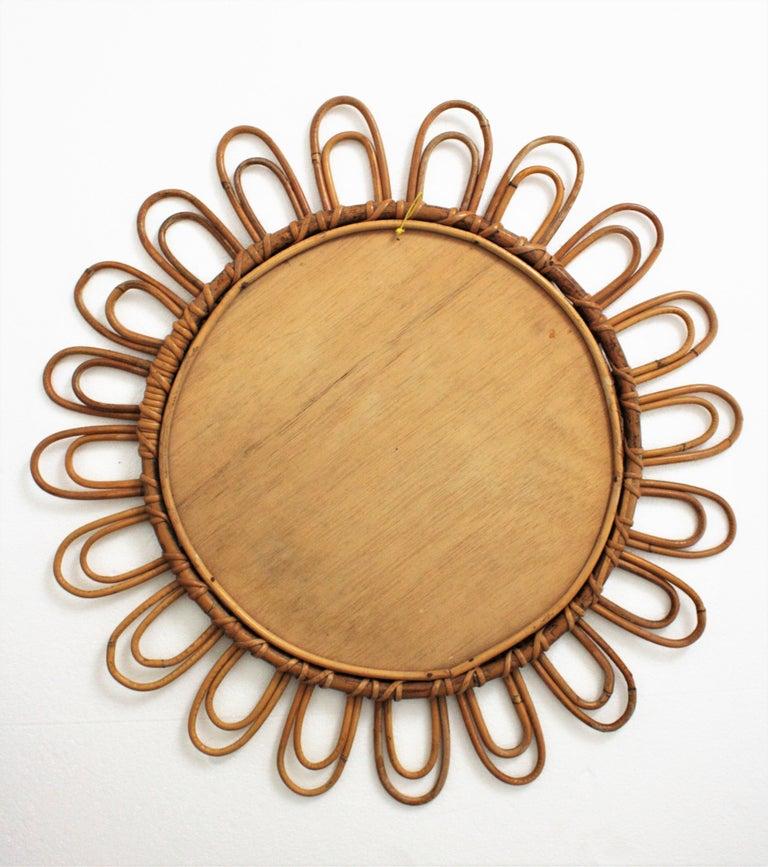 Rattan Mirror with Flower Shape, Midcentury Mediterranean Design, 1960s For Sale 4