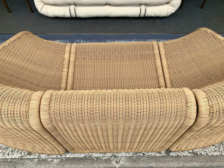 High quality braid synthetic policore rattan very resistant and perfect for outdoor. Modular sofa couch settee or a set of armchairs lounge slipper chair a variant of model P3 by the designer Tito Agnoli. Famous design like Gio Ponti, Gianfranco