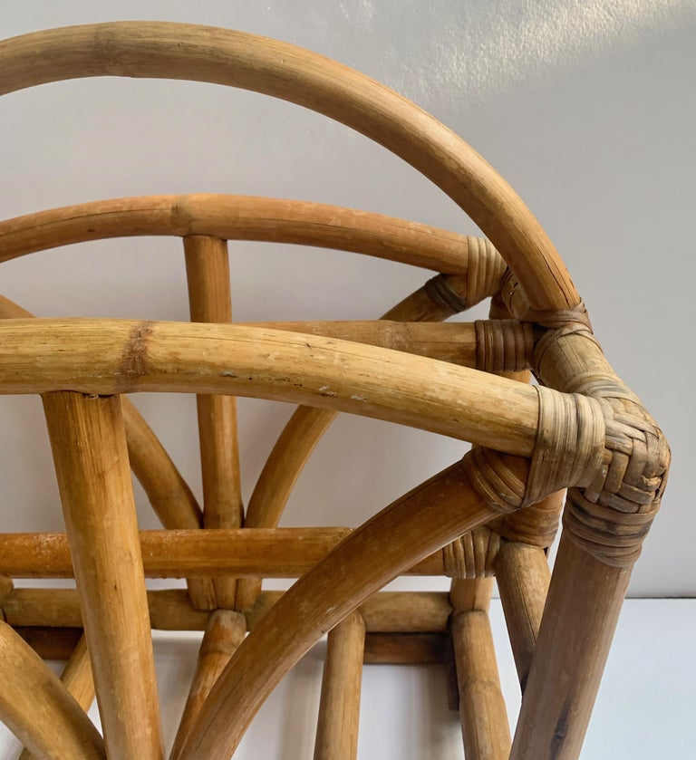 Rattan Two Sided Magazine Rack In Good Condition For Sale In Los Angeles, CA