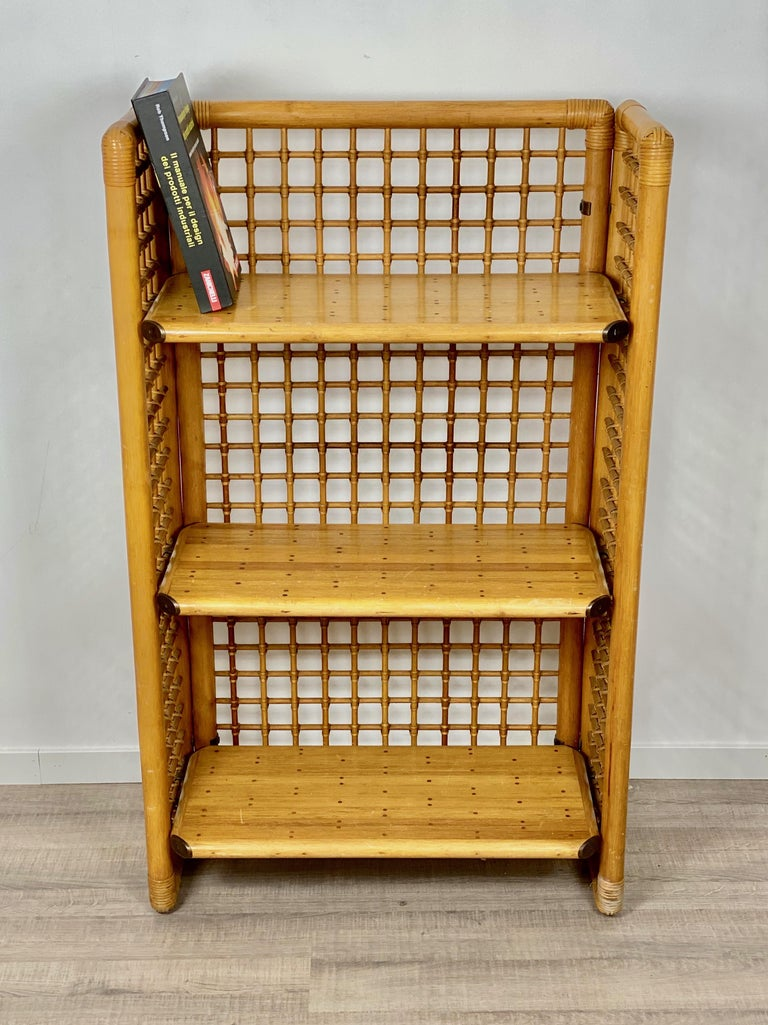 Rattan, Wood and Brass Etagere Bookcase Shelf, Italy, 1960s In Good Condition For Sale In Rome, IT