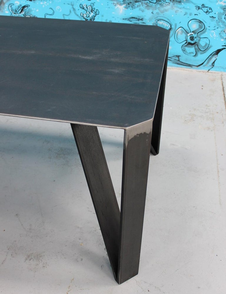Raw Angles Dining Table In Excellent Condition For Sale In Paris, FR