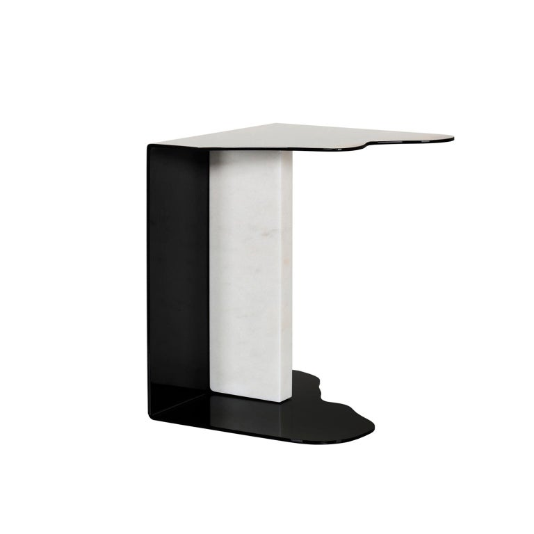 Metal side table outer shell in polished stainless steel and inner shell lacquered in high gloss black. Base block in polished Calacatta Bianco marble.  Raw side table  FI032 Black lacquer; high-gloss finish ME001 Polished stainless