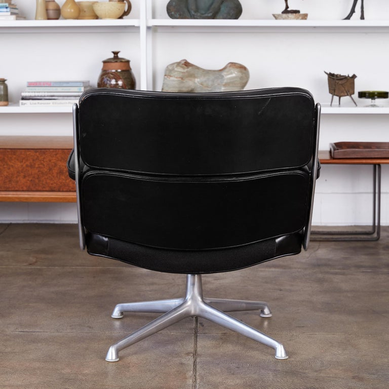 Eames Time Life Lobby Chair for Herman Miller In Excellent Condition In Los Angeles, CA