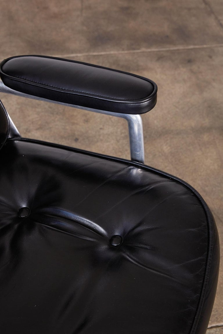 Eames Time Life Lobby Chair for Herman Miller 2