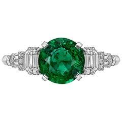 Raymond C. Yard 1.65 Carat Colombian Emerald and Diamond Ring