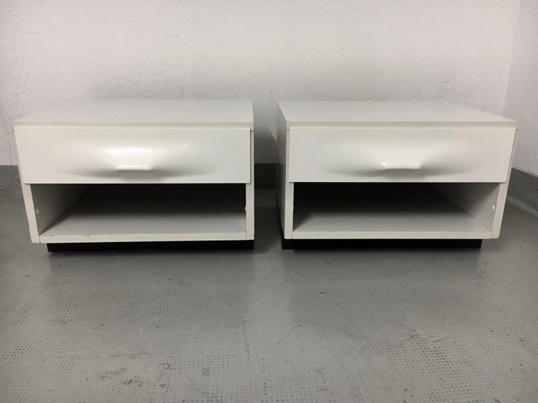 Raymond Loewy Pair of Bedside Tables by DF2000, France, 1960s For Sale 5