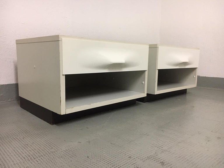 Mid-20th Century Raymond Loewy Pair of Bedside Tables by DF2000, France, 1960s For Sale
