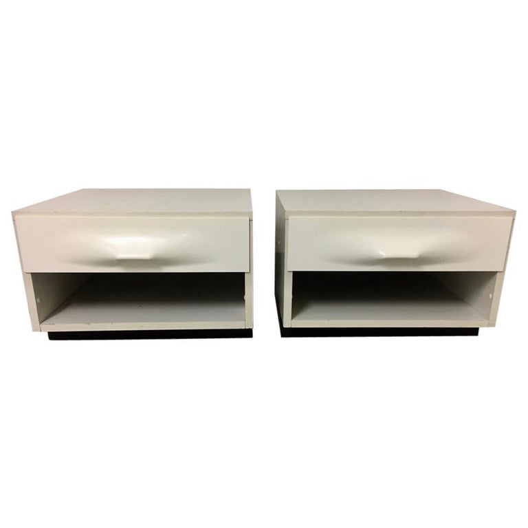 Raymond Loewy Pair of Bedside Tables by DF2000, France, 1960s For Sale