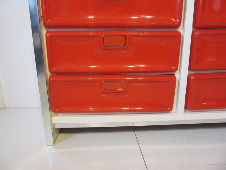 Raymond Lowey/Broyhill Styled Dresser  In Good Condition In Cincinnati, OH