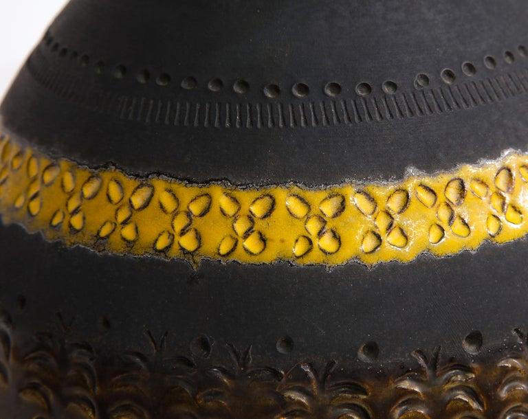 Bitossi for Raymor Vase, Ceramic, Matte Black, Yellow and Orange, Signed For Sale 7