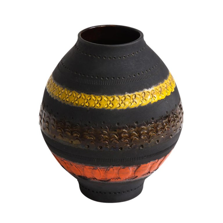 Italian Bitossi for Raymor Vase, Ceramic, Matte Black, Yellow and Orange, Signed For Sale