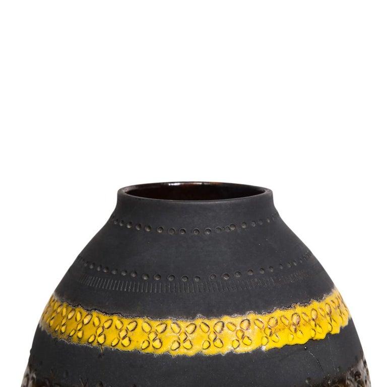 Bitossi for Raymor Vase, Ceramic, Matte Black, Yellow and Orange, Signed For Sale 2