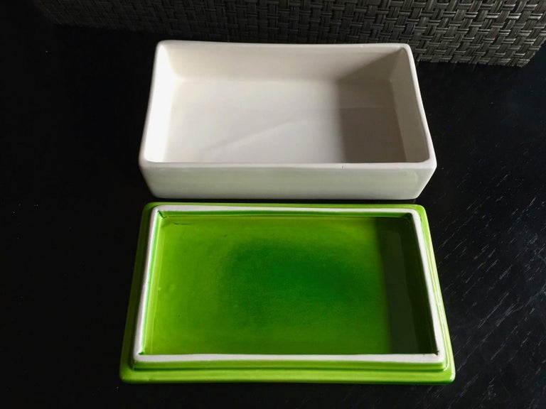 Classic Italian ceramic box by Raymor. Green lid with white tray. Great coloring. Very good vintage condition.