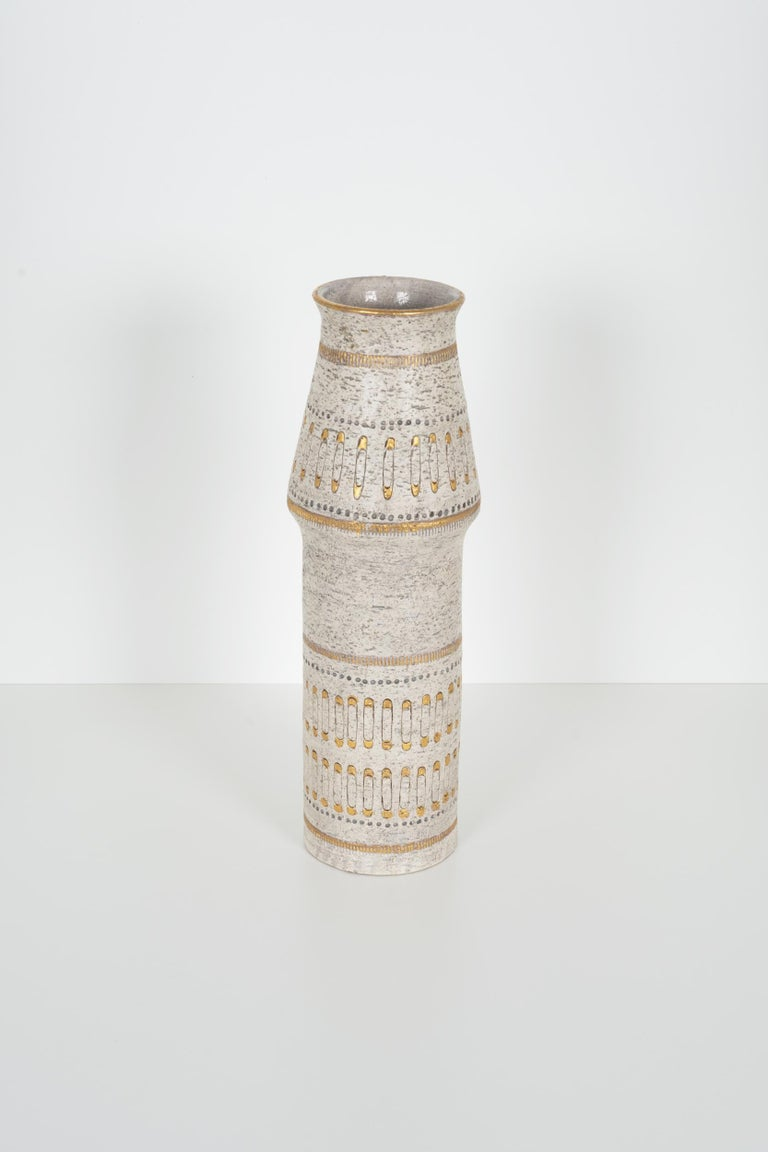Raymor white and gold Italian vase, alternating decorative bands. 