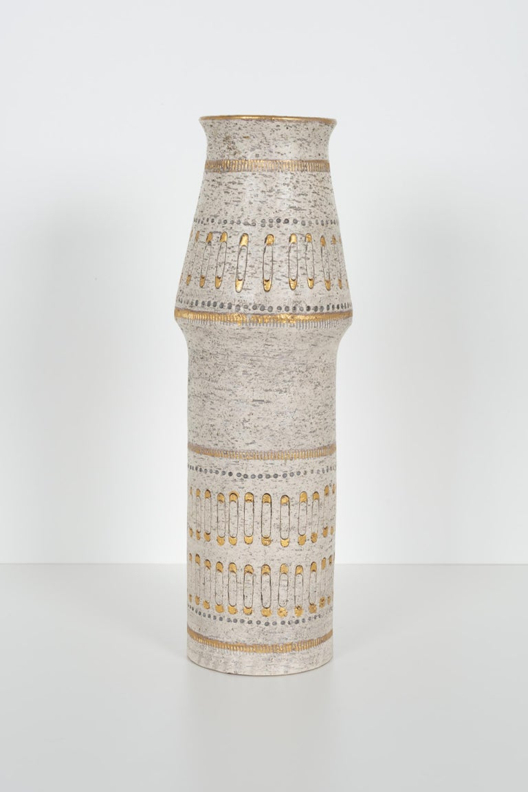 Mid-Century Modern Raymor White and Gold Italian Vase For Sale