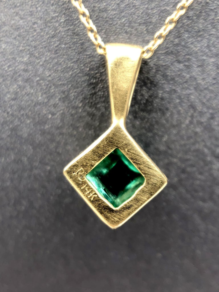 Rebecca Overmann Vintage Natural Sugarloaf Emerald White Diamond Gold Necklace In New Condition For Sale In Dallas, TX