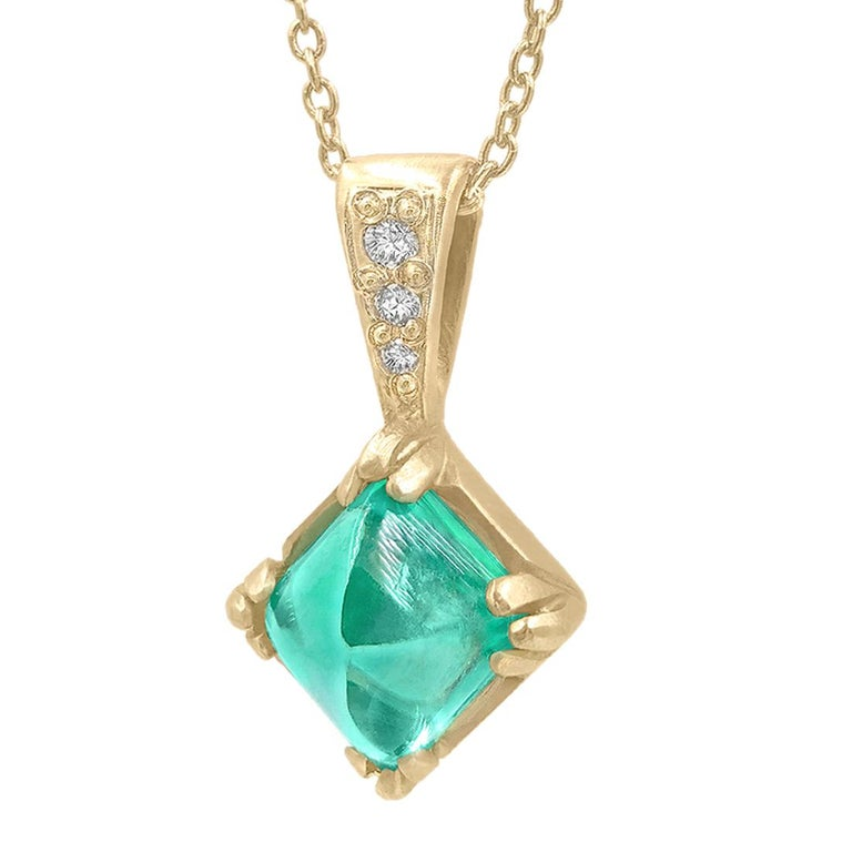 Rebecca Overmann Vintage Natural Sugarloaf Emerald White Diamond Gold Necklace For Sale