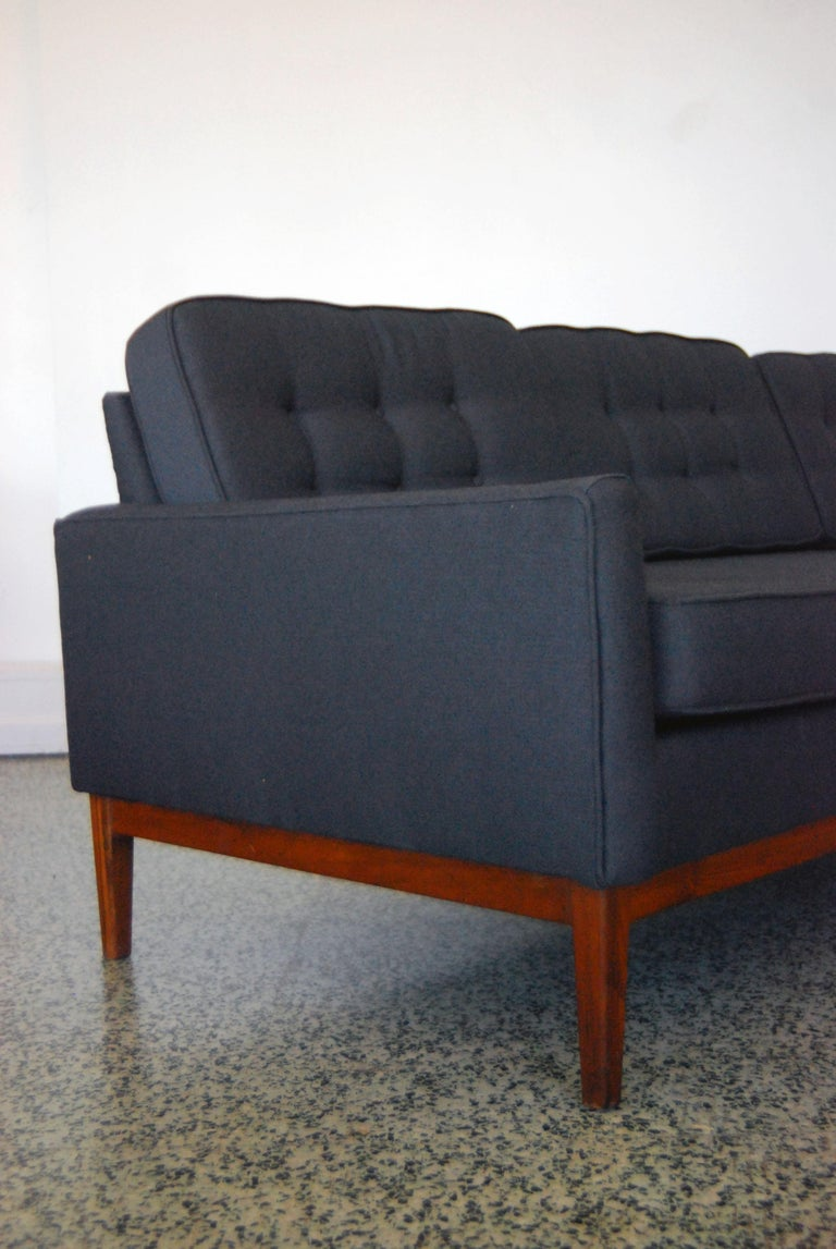 Mid-Century Modern Recently Reupholstered Florence Knoll Sofa For Sale