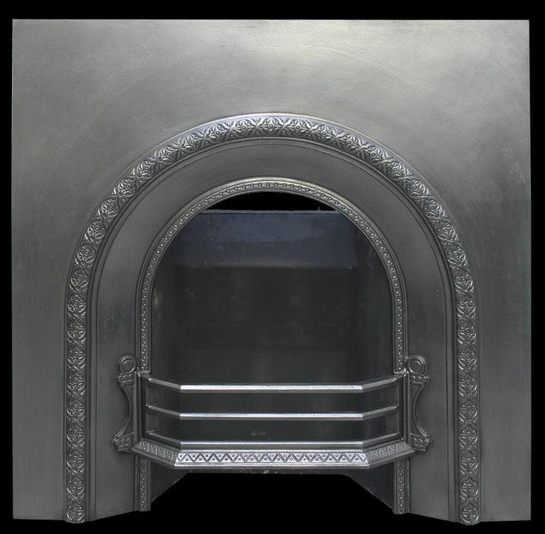 Reclaimed Victorian Cast Iron Arched Fireplace Insert In Good Condition For Sale In Manchester, GB