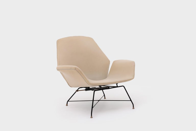 Mid-Century Modern Recliner Lounge Chair 'Lotus' with Hocker by Augusto Bozzi for Saporiti, 1960s For Sale