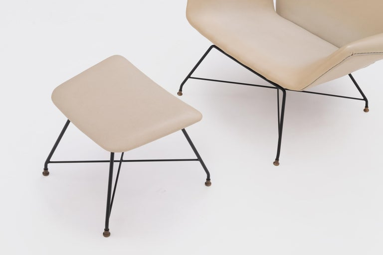Italian Recliner Lounge Chair 'Lotus' with Hocker by Augusto Bozzi for Saporiti, 1960s For Sale