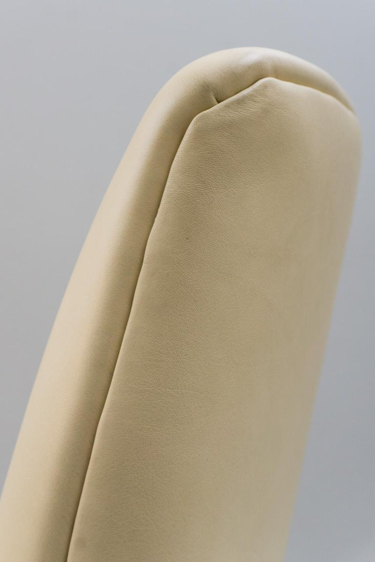Mid-20th Century Reclining Armchair '829' in Cream Leather by Gio Ponti, 1960 For Sale