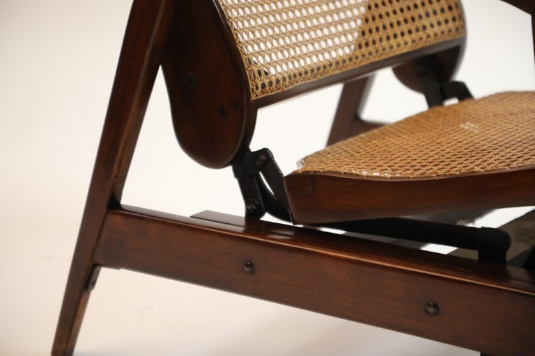 Reclining Chair in Brazilian Jacaranda Rosewood and Cane, Brazil, circa 1940 For Sale 8