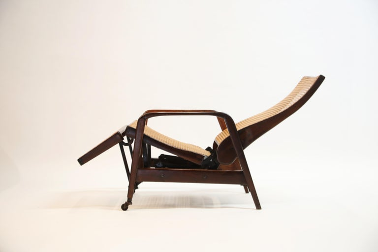 Reclining Chair in Brazilian Jacaranda Rosewood and Cane, Brazil, circa 1940 In Good Condition For Sale In Los Angeles, CA