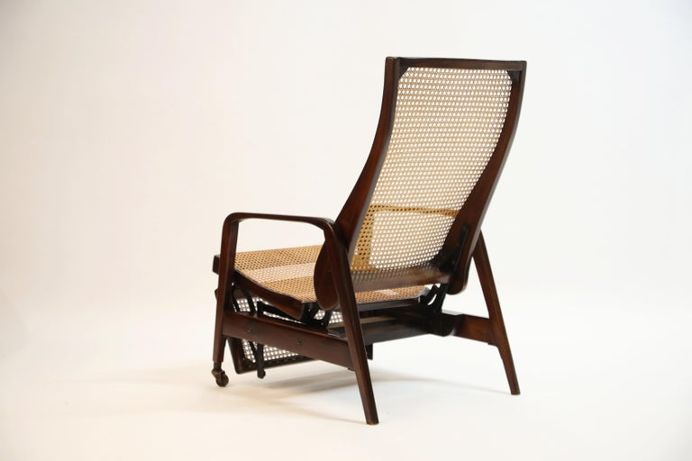 Reclining Chair in Brazilian Jacaranda Rosewood and Cane, Brazil, circa 1940 For Sale 1