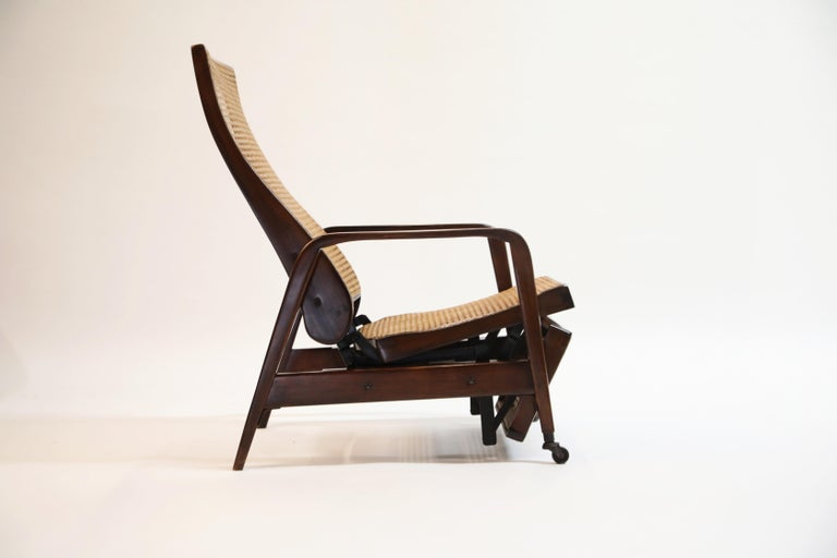 Reclining Chair in Brazilian Jacaranda Rosewood and Cane, Brazil, circa 1940 For Sale 4