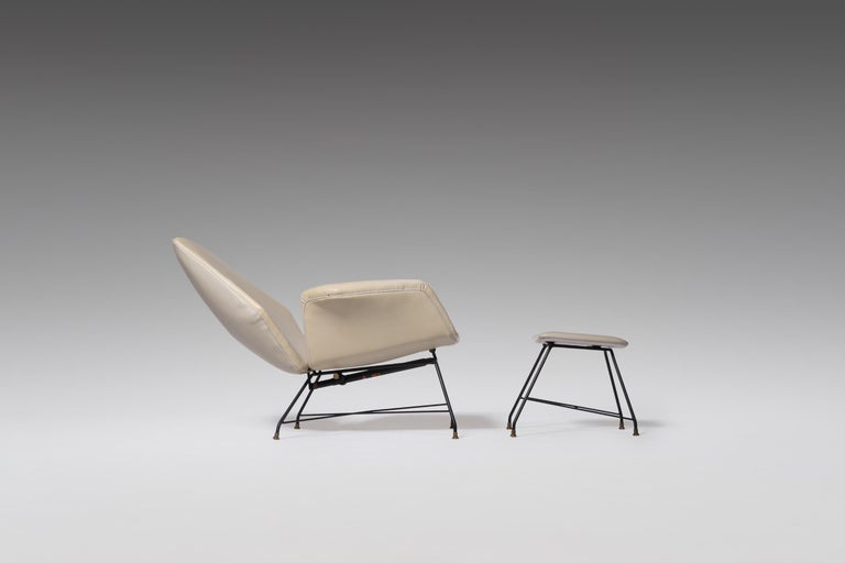 Mid-Century Modern Reclining Lounge 'Lotus' Lounge Chair with Hocker by Augusto Bozzi for Saporiti For Sale